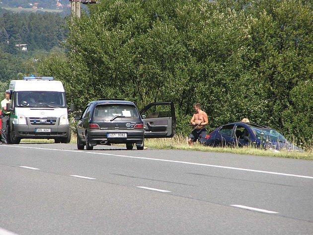 Nehoda na silnici I/3 nedaleko Pyšelky dopadla dobře.