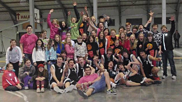 Benešovská basketbalová enkláva po turnaji v pražských Letňanech.