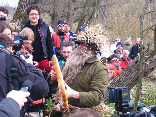 Dědek Sázava a tradiční jedlý klíč od řeky