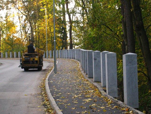 Po pěti měsících opět řidiči projedou silnicí, která spojuje Vlašim s Domašínem.