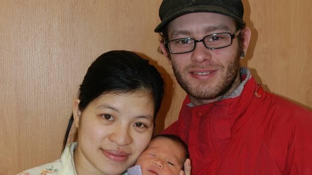 V pátek 24. února ve 23.40 se narodil malý Putin rodičům Hong Nguyen Thi a Ivanu Gonzalesovi ze Sedlce-Prčice. Při příchodu na tento svět vážil 3,38 kilogramu a měřil 50 centimetrů.