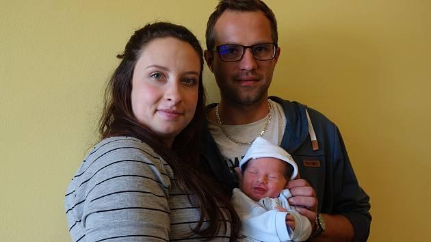 Radek Tilkovský se rodičům Janě Tlustošové a Radku Tilkovskému z Vlašimi narodil 17. října 2019 v 13 hodin a 1 minuta, vážil 2950 gramů a měřil 48 centimetrů.
