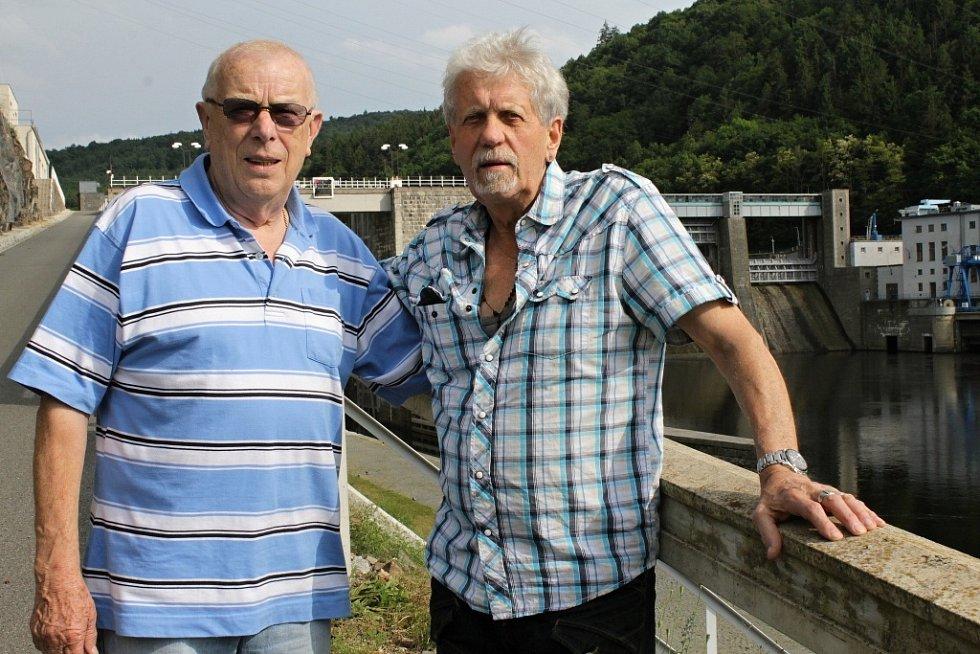 Siegfried Klein navštívil Štěchovice, doprovázel ho Helmut Gaensel (vlevo).