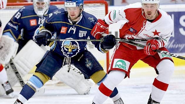 Martin Kehar (vlevo) hraje už třetí sezonu za kladenské Rytíře.