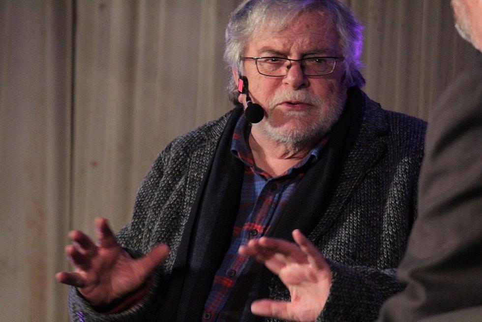 Do Čerčan si tamní kulturní spolek pozval Jana Kačera.