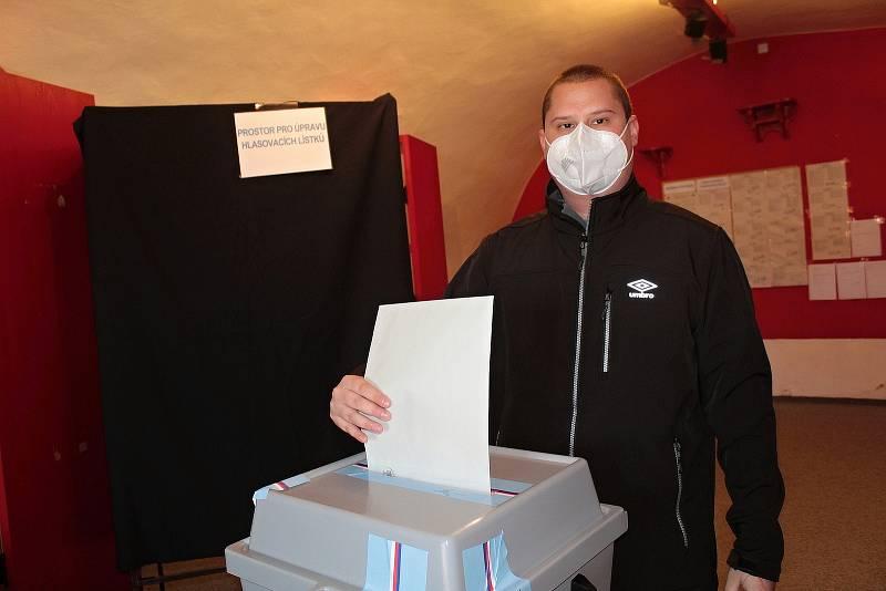 Volby ve Voticích.