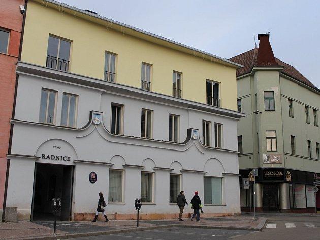 Benešovská radnice na Masarykově náměstí.