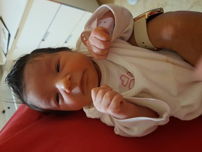 Rozálie Nasadilová se narodila 15. července 2021 v 18.54 hodin v čáslavské porodnici. Pyšnila se porodní váhou 3100 gramů a délkou 49 centimetrů. Domů do Chvaletic si ji odvezla maminka Silvie a tatínek Jakub.