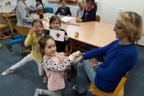 Nácvik první pomoci ve školní družině v Pyšelích.