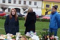 Výtěžek z prodeje půjde na podporu neslyšící dívenky z Benešova.