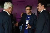 Ze zahájení kampaně středočeské ODS v pražském Jazz Docku před říjnovými krajskými volbami.