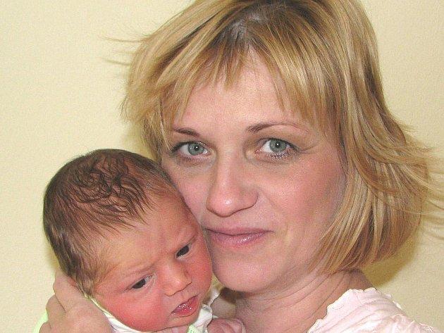 Rodiče Renata a Lukáš Volkovi ze Sedlčan se od 19. června radují ze svého syna Lukáše. Ten se narodil v jednu hodinu a dvacet jednu minutu ráno. Na svět přišel s  porodní váhou 3,36 kg a mírou 51 cm. Chlapec má doma už starší sestry Elišku a Barboru.