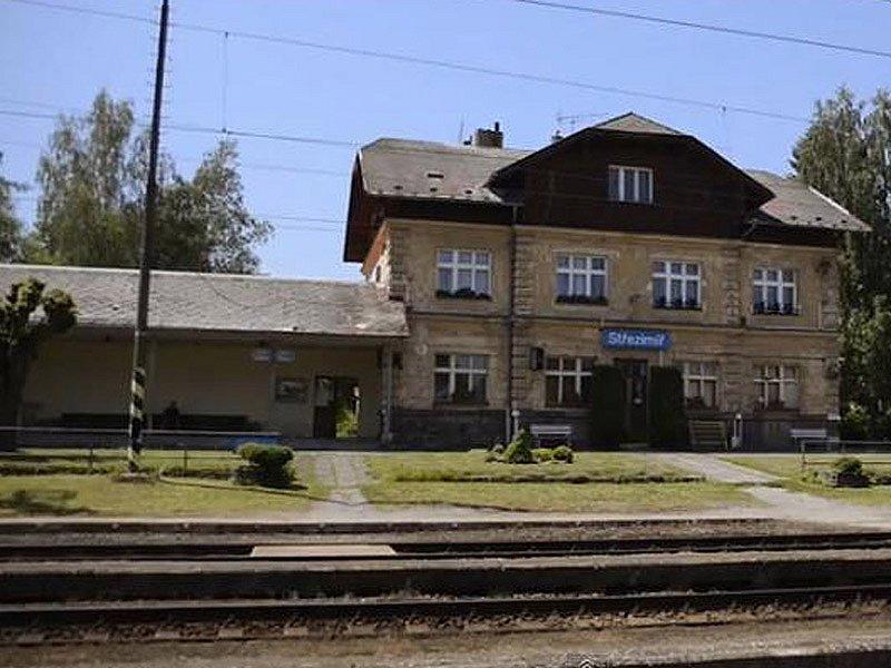 Vizualizace budoucího koridoru mezi Heřmaničkami a Meznem - současné nádraží Střezimíř.