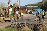 Oprava železničního přejezdu v Týnci nad Sázavou.