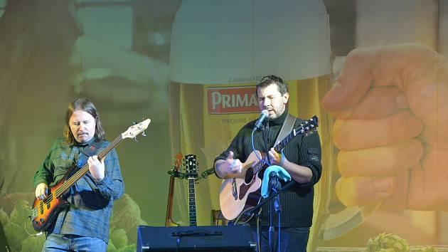 Koncert kapely Hořké kafe v Sázavě.