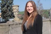 Eliška Budková z SDH Nový Knín hladce prošla castingem pro finále Miss hasička Středočeského kraje 2015 při Hasičském dní na Konopišti, kam má veřejnost volný přístup. Hlasování čtenářů končí v pátek 15. května. Finále je v sobotu 23. května odpoledne.