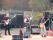 Fanoušci zažili koncert legendární anglické kapely i známého tuzemského, hudebního uskupení.
