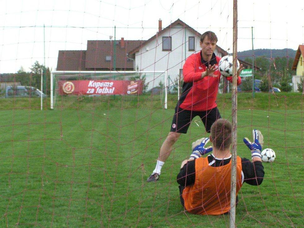 Michal Petrouš, trenér Slavie Praha, trénoval díky projektu Gambrinus Kopeme za fotbal, SK Olbramovice.
