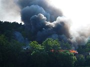 Požár opuštěného objektu v bývalé továrně Jawa byl nahlášený v 10 hodin.