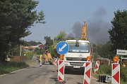 Požár haly v brodecké Jawě. Dým bylo vidět i od Bukovan.
