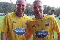 Naposledy spolu hráli v ruském Dynamu Moskva a teď se sešli v dresu Poříčí nad Sázavou v I. A třídě – slávista Stanislav Vlček (vlevo) a sparťan Martin Hašek.
