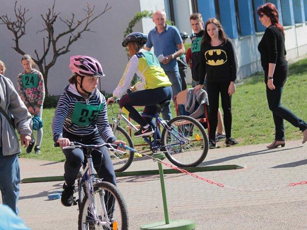 Okresní soutěž mladých cyklistů v Bystřici.