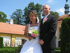 Novomanželé Polcarovi