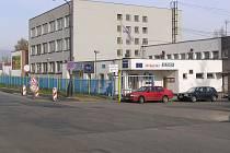 První ohlášené napadení se odehrálo 21. března ve 14.12 na parkovišti TRW v ulici Jana Nohy naproti celnici. Svědci incidentů mohou volat stálou službu benešovského obvodního oddělení PČR na číslech 974 871 700 nebo 602 261 508.