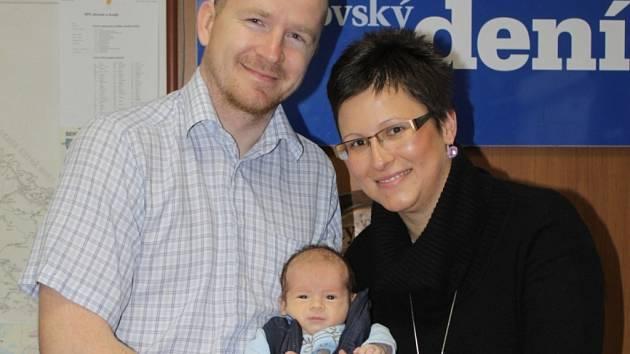 Petr Eichler se svými rodiči v redakci Benešovského deníku.