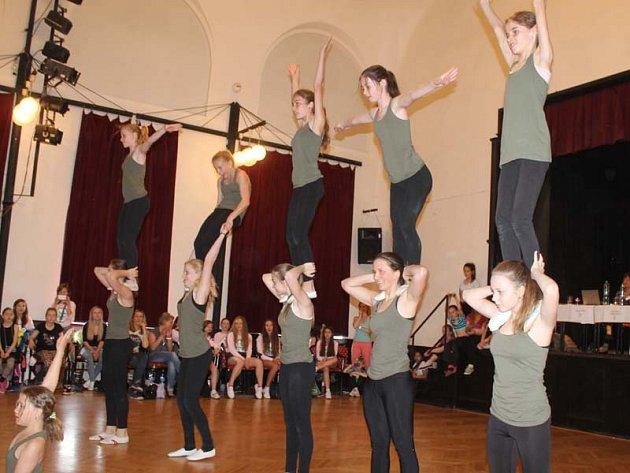 hostující tanečníci taneční kolo