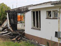 Požár objektů v Křižíkově ulici založil žhář a způsobil škodu 1,2 milionu korun.