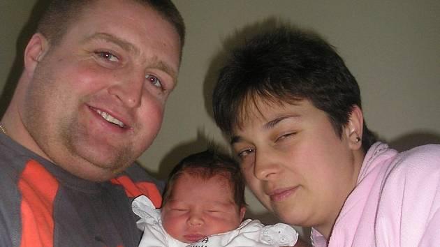 Od 9. 12. má Benešov dalšího občana. V 9 hodin a 35 minut  přivedli na svět manželé Zuzana a Petr Kyptovi druhého  syna, malého Dominika, vážícího 3,60 kg a měřícího 50 cm. S bráškou Martinem (4,5) a s tátou jsou teď v pánské převaze