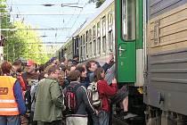 Policisté budou dohlížet také na odjezd účastníků pochodu z nádraží v Heřmaničkách.