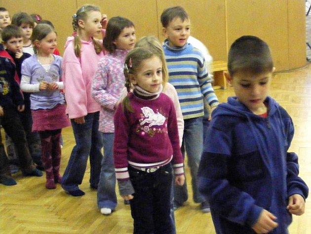 Dům dětí a mládeže se stal zastřešeným dopravním hřištěm pro  pětadvacet předškoláků z MŠ Spořilov