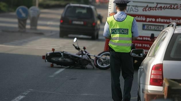 Parádní počasí poslalo na silnice stovky motorkářů, některé doslova.