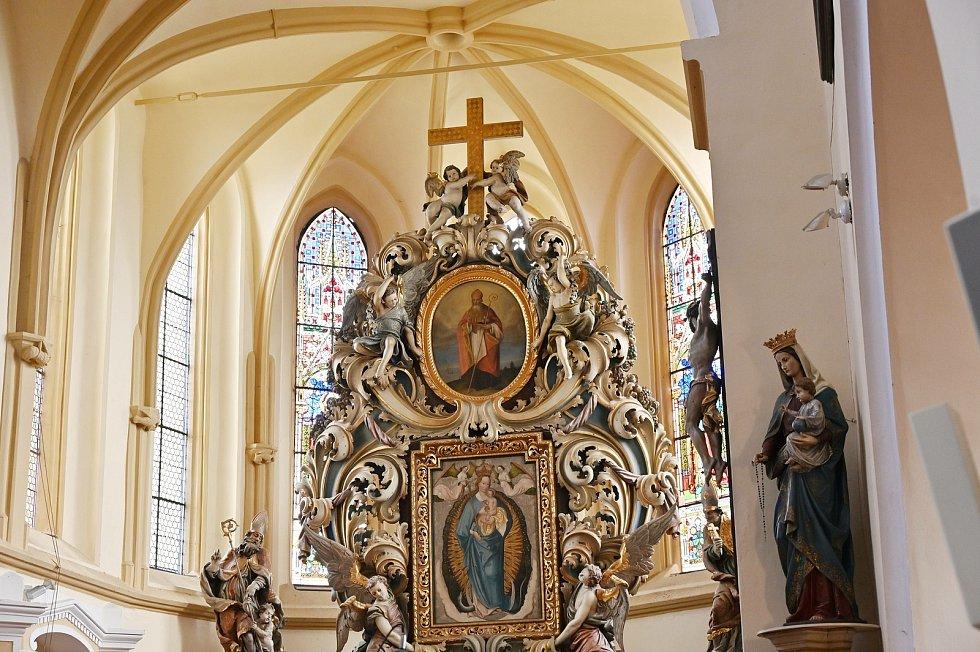 V kostele sv. Mikuláše v Benešově.