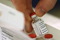 Očkovací vakcína proti covidu-19, kterou vyvinula britská firma AstraZeneca ve spolupráci s Oxfordskou univerzitou.