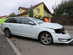 Následky zběsilé jízdy Benešovem.