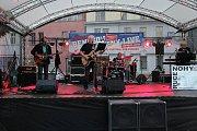 Návštěvníci pátečního koncertu se zaposlouchali do písniček různých žánrů.