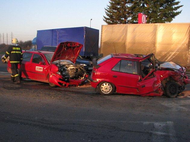 Tragická dopravní nehoda na silnici E55 na benešovských Červených Vršcích.
