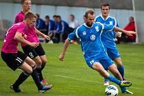 Snaha vlašimského Vladimíra Pokorného (v modrém) přišla v zápase se Znojmem vniveč.