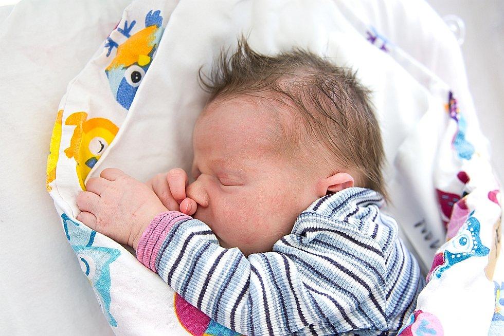 Rozálie Dědičová se narodila v nymburské porodnici 25. dubna 2021 ve 2.55 hodin s váhou 3600 g a mírou 50 cm. V Kovanicích bude holčička vyrůstat s maminkou Petrou, tatínkem Jaroslavem a sestřičkou Matyldou (3 roky).