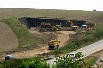 Prostor budoucího severního portálu sudoměřického tunelu.