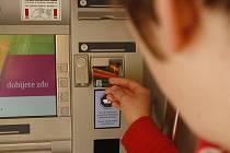 PIN napsaný u platební karty nepovolenému výběru nezabrání.