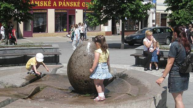 Na náměstí nebude při Benešovském jarmarku nouze o nápoje, nejen o vodu.