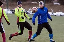 Kanonýr Matěj Voráček (v modrém) se proti rakouskému celku gólově neprosadil.