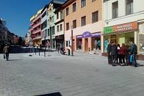 Spodní částí Tyršovy ulice v Benešově se už jezdí oběma směry. První přebírání stavby má město už za sebou.
