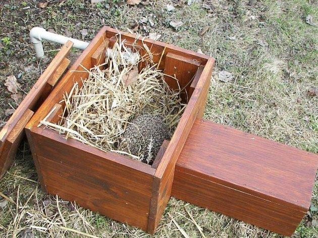 Zimní obydlí pro ježka.