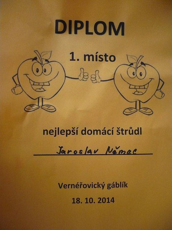 Diplom pro Jaroslava Němce za nejlepší jablečný štrúdl.