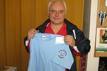 MirosIav Bubeník z Benešova, bývalý fotbalový trenér mládežnických mužstev Benešova, zvítězil v 1. kole a získal stokorunovou poukázku od sázkové kanceláře Fortuna a tričko.